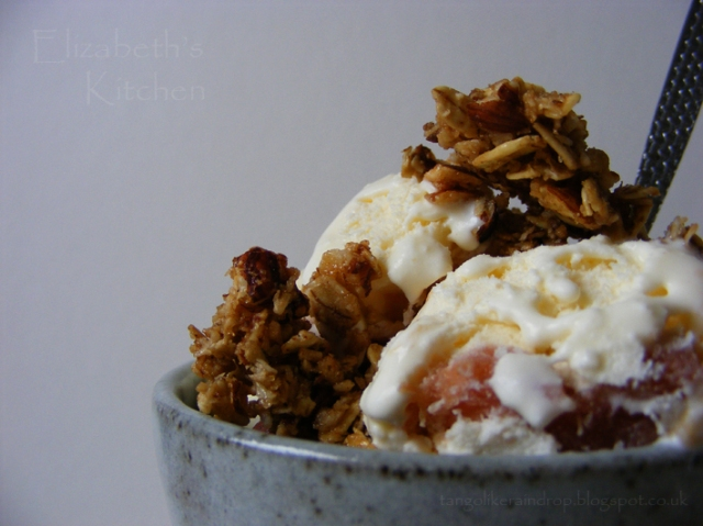 rhubarb ripple ice cream