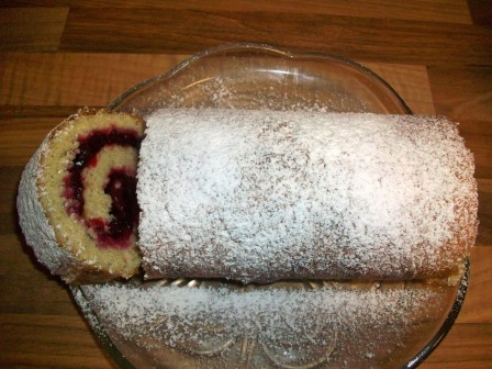 cranberry cinnamon swiss roll