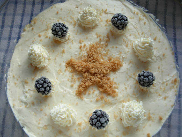 gingerbread-bramble-and-lemon-trifle