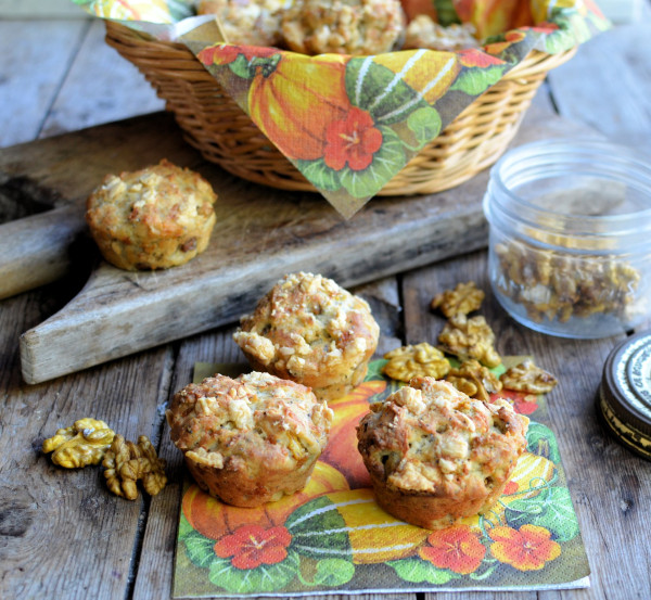 Pumpkin-Walnut-Poppy-Seed-Muffins-with-Cheddar-Cheese