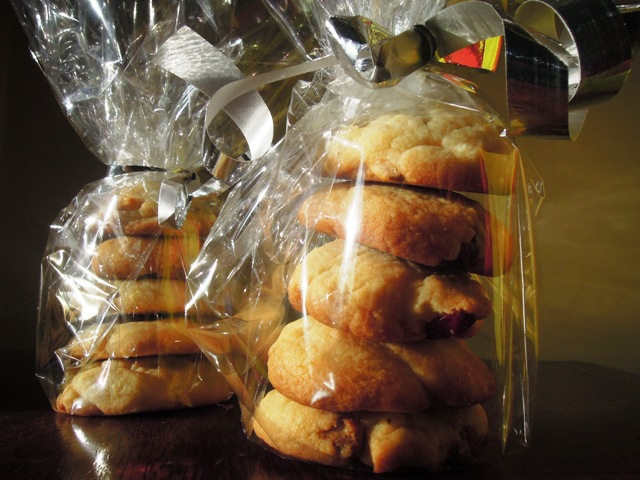 white chocolate cardamom cranberry cookies