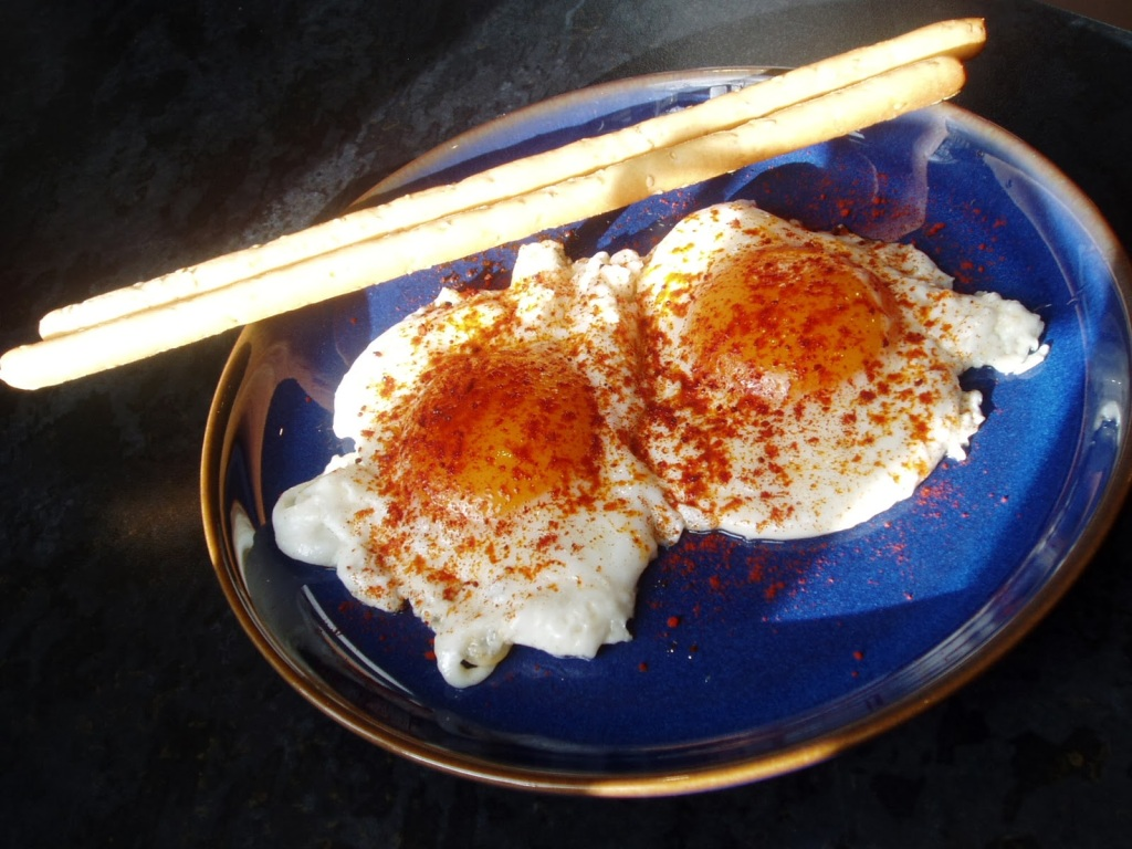 fried eggs with paprika lapin d'or