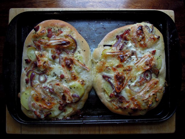 Tartiflette pizza