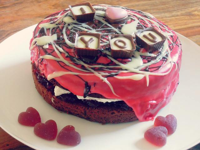 valentine scribble cake