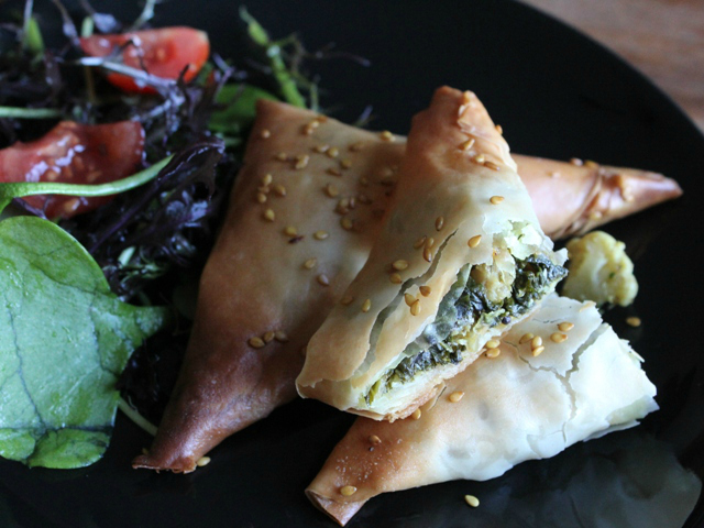 kale and cauliflower samosa 6 web