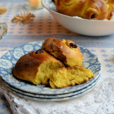 22. Saffron and Cardamom Sweet Buns