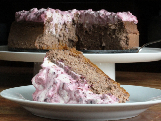 chocolate cheese cake with blackberry cream6