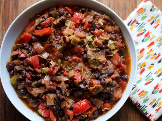 Mexican leek and black bean chilli