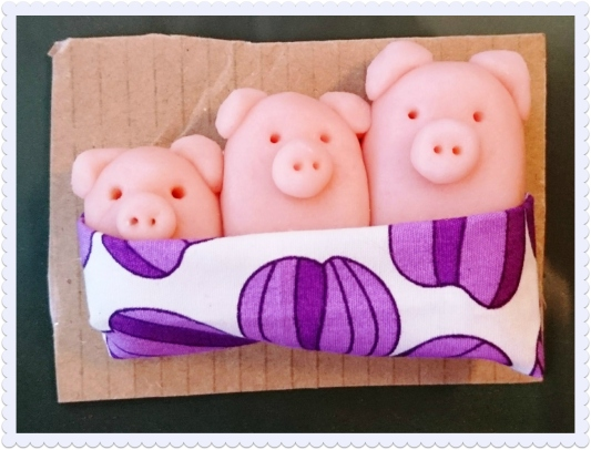 marzipan piggies in blankets 2